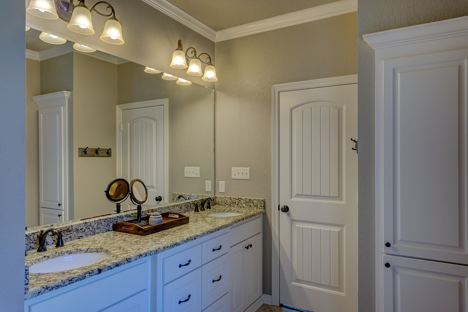 Kinkiety W łazience Czyli Dodatkowe Oświetlenie Strefy