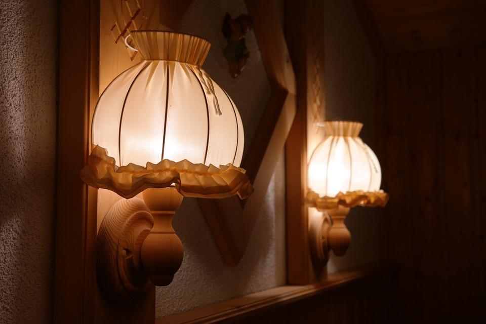 oswietlenie kinkiety 1 Jak dobrać moc kinkietów do pomieszczenia?
