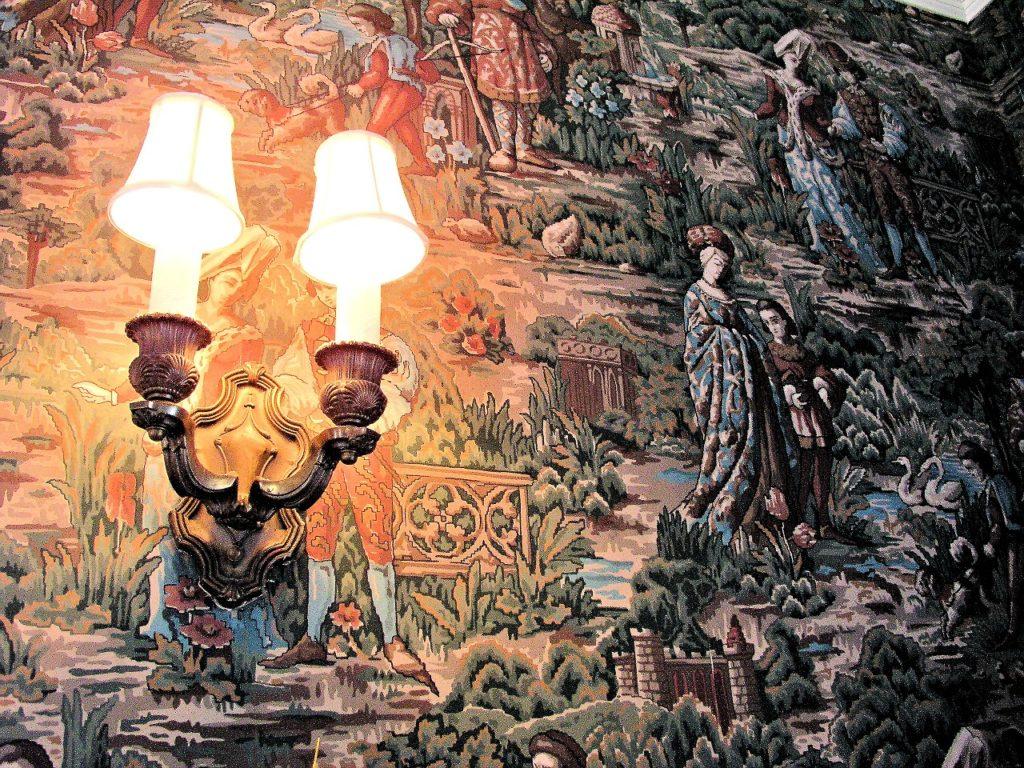 wall lamp 1346764 1280 1024x768 Kinkiety w klasycznym stylu do salonu — jak wybrać najlepsze