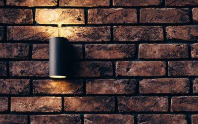 Jak doświetlić ciemne pomieszczenie, czyli praktyczne zastosowanie kinkietów